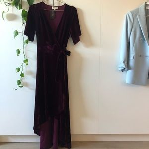 Beautiful velvet wrap dress in Berry color. SizeS